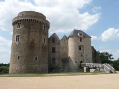 Château_de_Saint_Mesmin.jpg